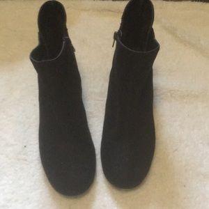 Aerosoles black short heel boots